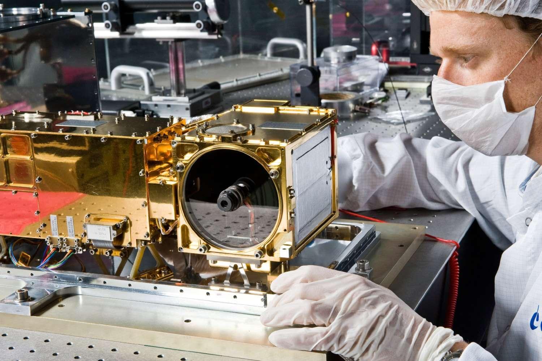 L'instrument ChemCam de Curiosity, au Centre spatial de Toulouse en 2008 (à l'époque le lancement était prévu en 2009). © Cnes/Girard Sébastien, 2008