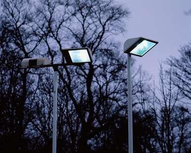 Installer un éclairage extérieur à détecteur de mouvement