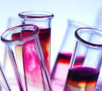 Découvrez les bases de la chimie, son évolution et ses applications grâce au dossier Introduction à la chimie : atomes et molécules au fil de l'histoire. © DR