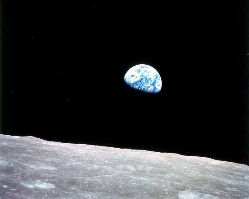 Les astronautes d'Apollo 8 ont réalisé la première image en couleurs de la Terre (vue depuis la Lune) en 1968, montrant toute la beauté et la fragilité de notre planète. © Nasa