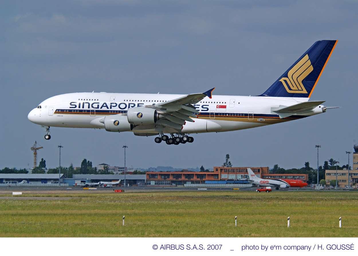 Le premier A380 de Singapore Airlines, photographié en 2007. (Voir toutes les images dans notre galerie.) © exm Company / Goussé / Airbus
