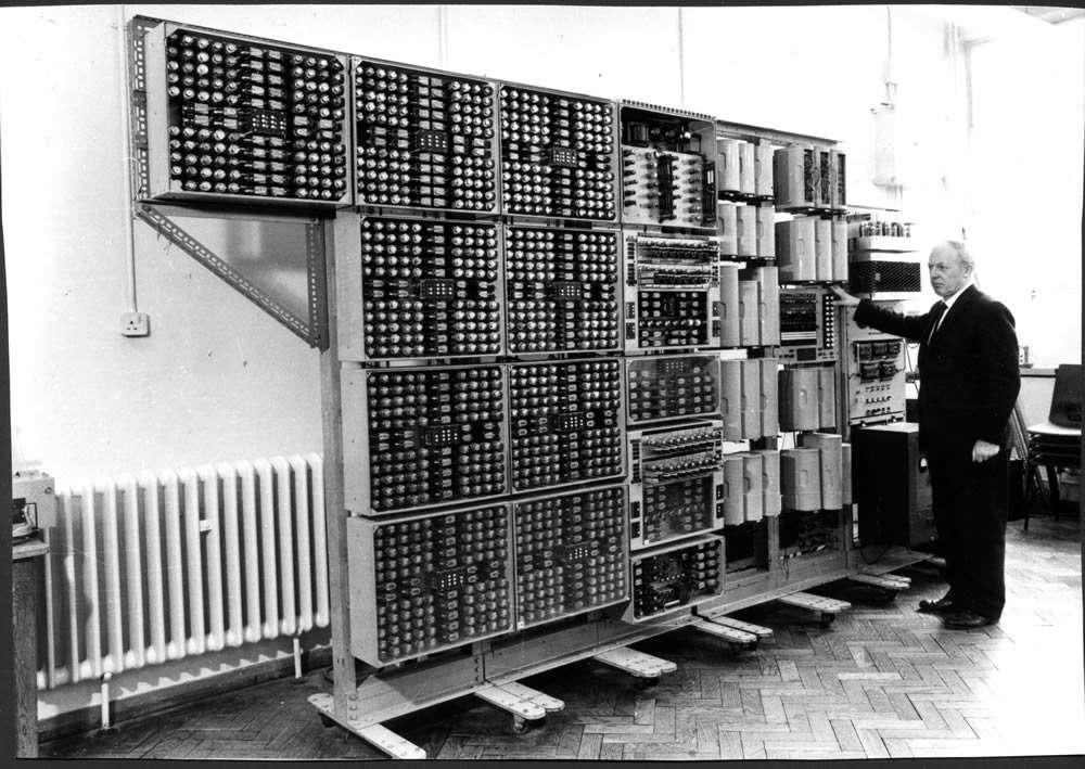 Le Witch en 1973, l'année de son arrêt. Il possédait alors le record de longévité des ordinateurs. © Computer Conservation Society