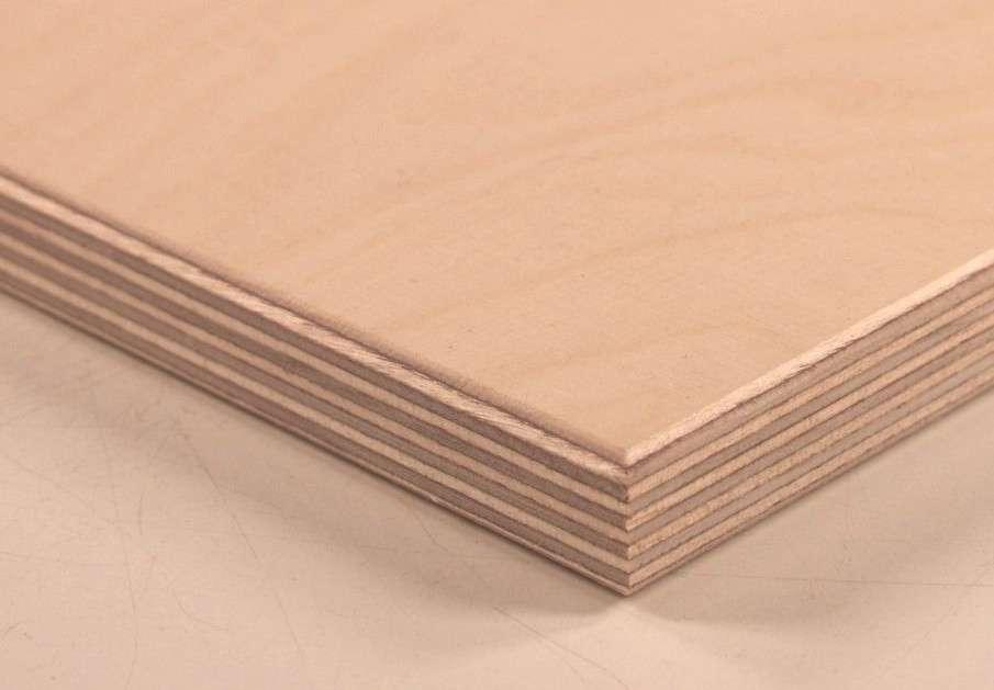Le contreplaqué est constitué de plusieurs couches de bois superposées. © Bystander, CC BY-SA 3.0, Wikimedia Commons