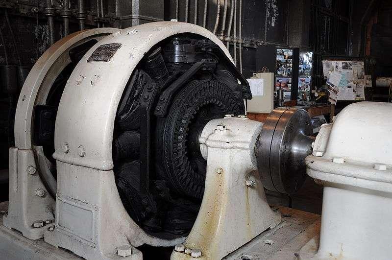 Ici, un générateur électrique américain de la General Electric. © Joe Mabel, CC BY-SA 3.0, Wikimedia Commons