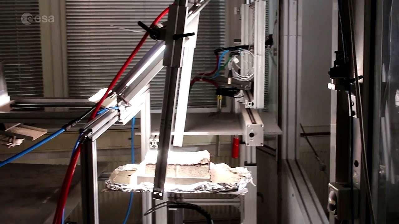 Comment fabriquer des briques sur la Lune avec la lumière du soleil
