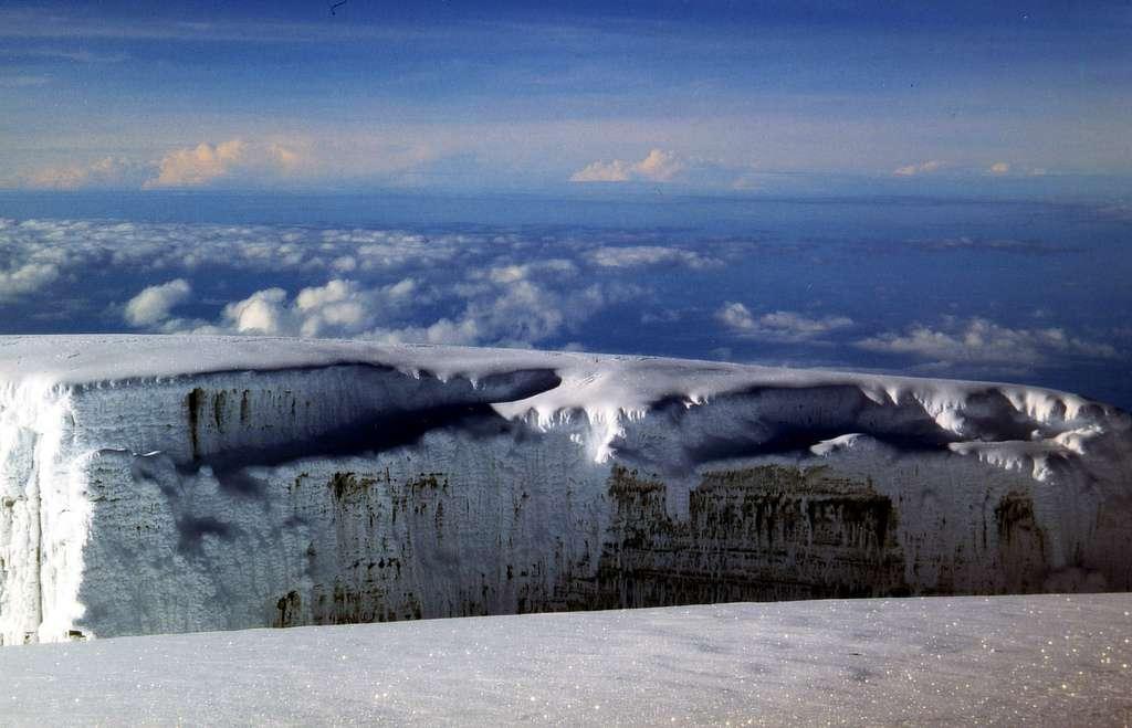 Les glaciers emprisonneraient 68,7 % de l'eau douce de la planète. Au rythme actuel de fonte, l'Afrique pourrait perdre ses derniers glaciers dans moins de 20 ans. © Twinga269, Flickr, cc by nc 2.0