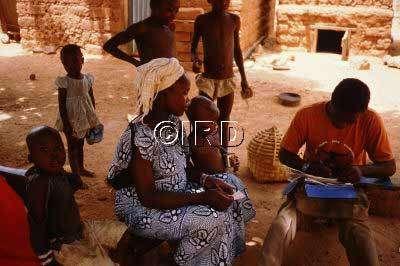 Consultation d'une femme enceinte au Cameroun. © IRD - Cot Michel