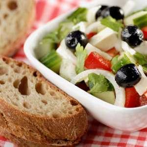 L'huile d'olive, le pilier du régime méditerranéen, est impliquée dans la lutte contre le cancer du sein. Crédits DR