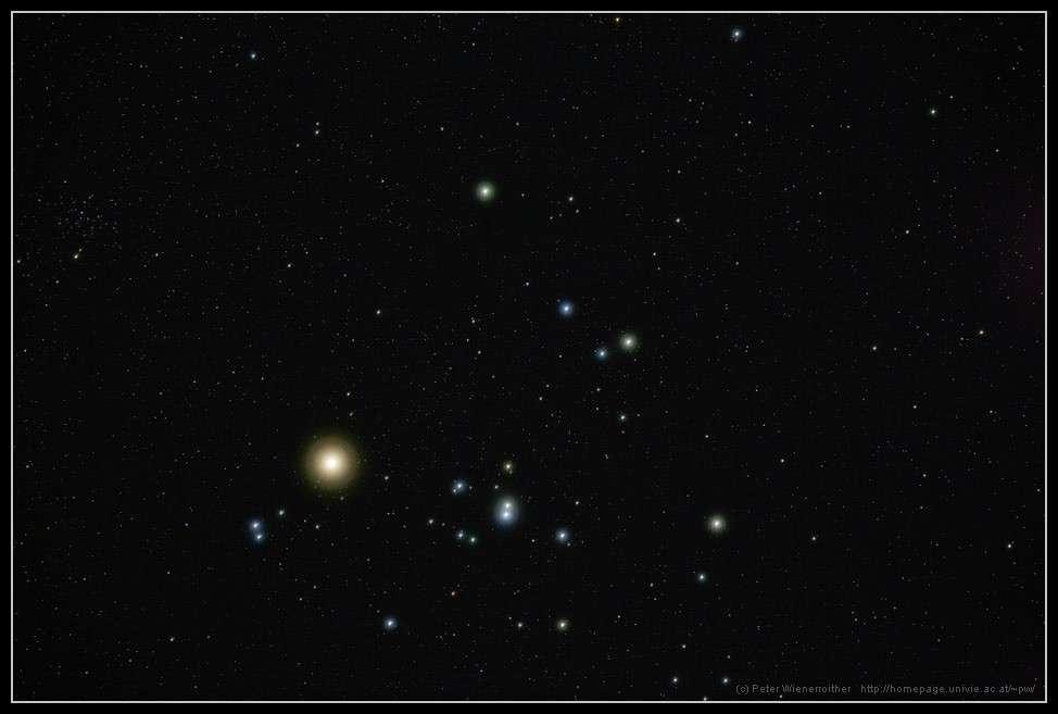 L'amas d'étoiles des Hyades ; l'étoile la plus brillante est Aldébaran qui ne fait pas partie de l'amas. Crédit P. Wienerroither
