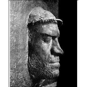 L'étude se base dans un premier temps sur la reconnaissance faciale à partir de modèles en 3D. C'est notamment le cas du masque mortuaire de Laurent de Médicis. À terme le logiciel de reconnaissance faciale Faces pourrait identifier un personnage quels que soient son âge et son angle de pose sur une autre peinture. © UCR