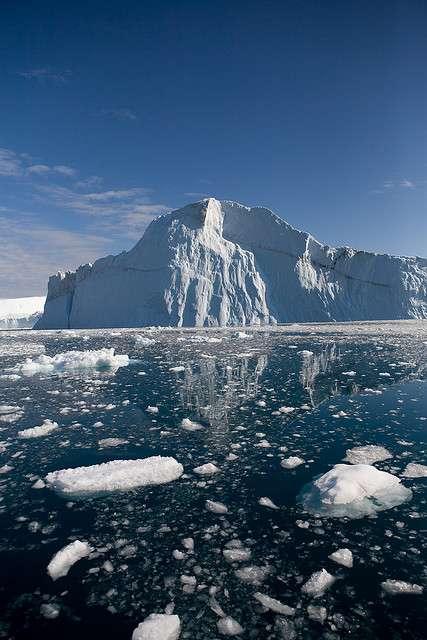 Le réchauffement climatique, via la fonte des glaces, provoque un rejet des POP dans l'atmosphère. © Ludovic Hirlimann, Flickr, CC BY-NC 2.0