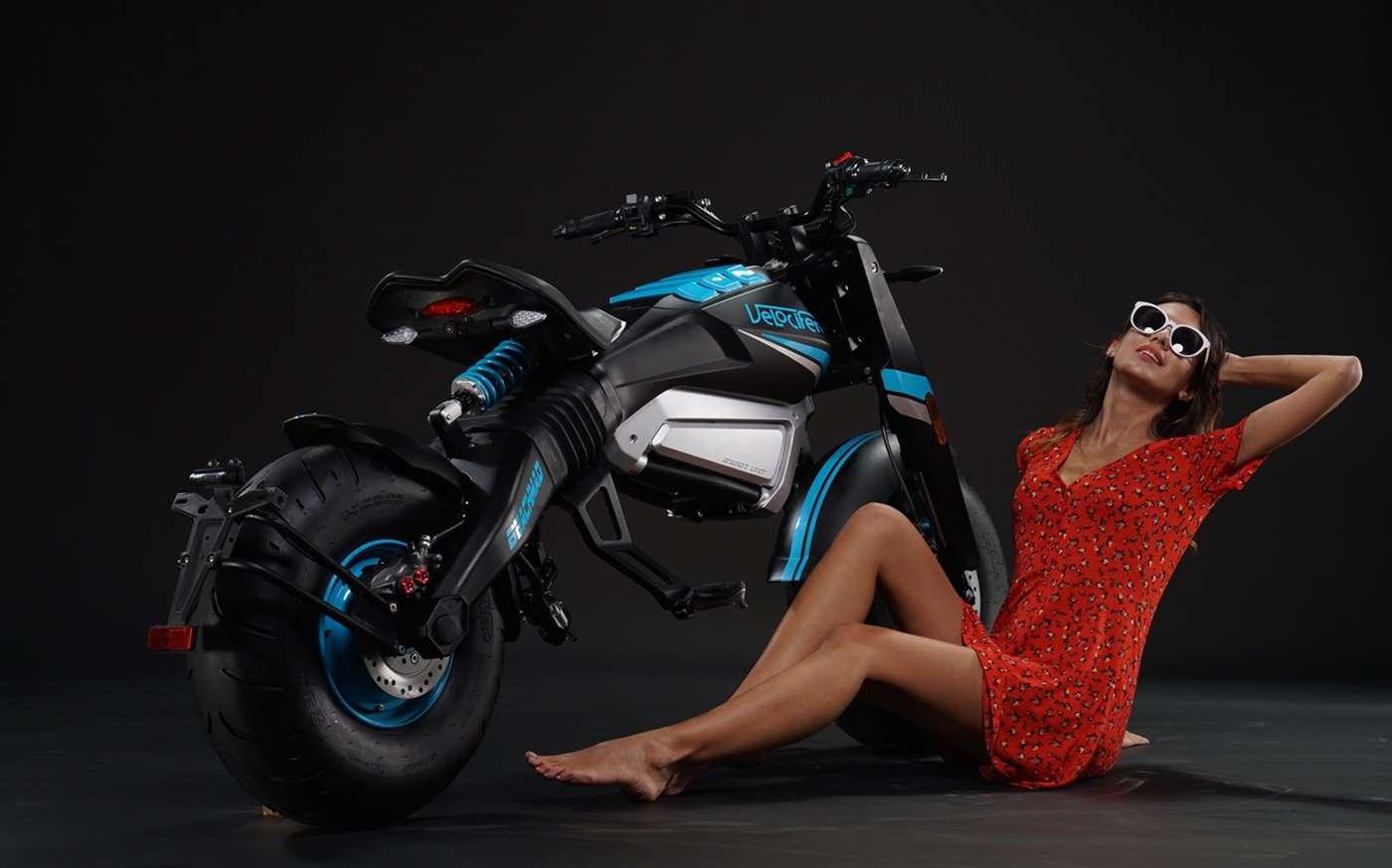 La Velocifero Mad Beach n'est pas une moto électrique pratique mais fun et tape à l'œil. © Velocifero