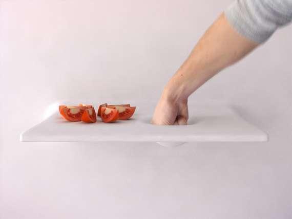 Exemple d'une possibilité avec Living Kitchen : le plan de travail interactif. © Michaël Harboun