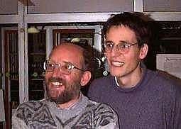 Michel Mayor et Didier Quenoz en 1995, lors de leur découverte de la première planète extrasolaire. Crédit CNRS.
