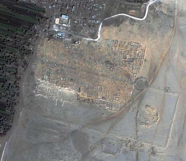 Une cité égyptienne découverte par Sarah Parcak en 2007 grâce à une imagerie infrarouge par satellite. © Sarah Parcak/Live Science