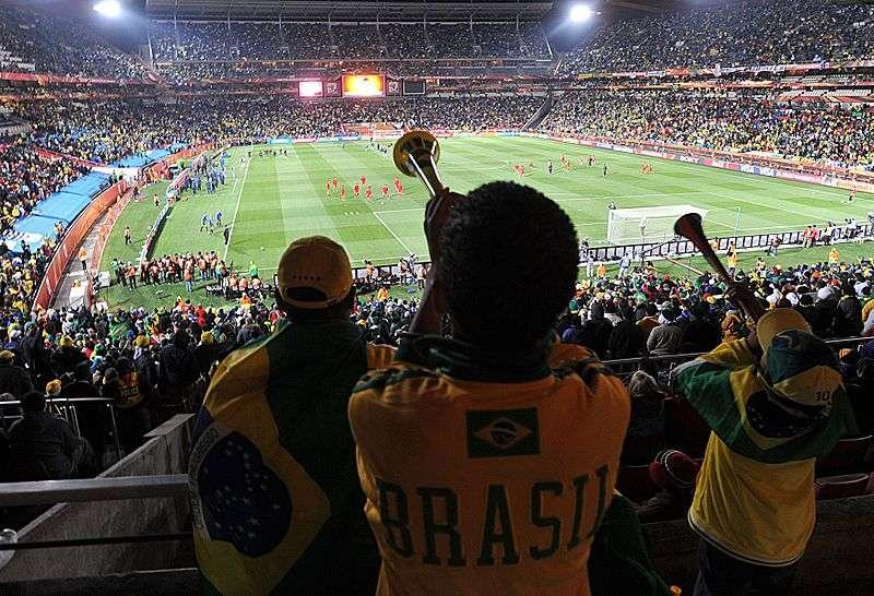 Tous les 4 ans a lieu la Coupe du monde organisée par la FIFA, un tournoi censé présenter les meilleurs joueurs mondiaux. © Marcello Casal Jr/ABr, Agência Brasil, cc by 3.0 BR