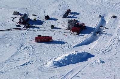 La zone où se trouve les batiments du télescope IceCube au Pôle Sud. Crédit: NSF