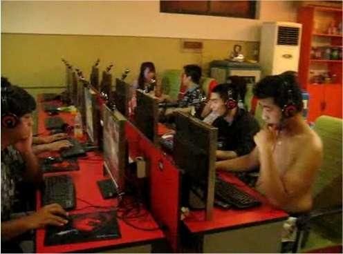 Les Chinois, comme dans ce cybercafé, sont de plus en plus nombreux à apprécier Internet. © Triciawang / Flickr - Licence Creative Common (by-nc-sa 2.0)