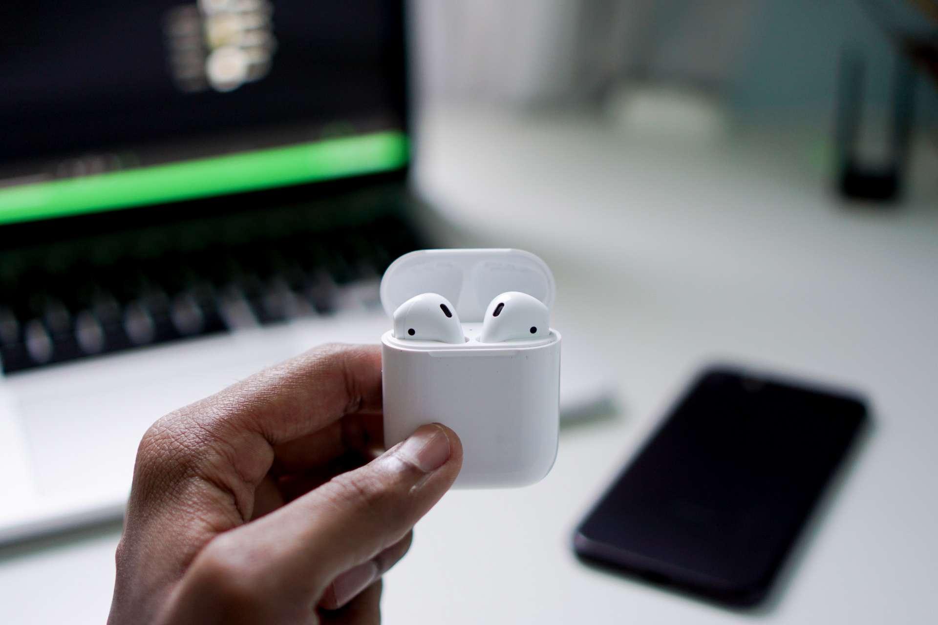 Découvrez la promo Apple avec les écouteurs Airpods © Unsplash