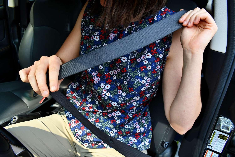 Le port de la ceinture de sécurité fera partie des paramètres enregistrés dans la boite noire des voitures. © Cfarnsworth/Pixabay