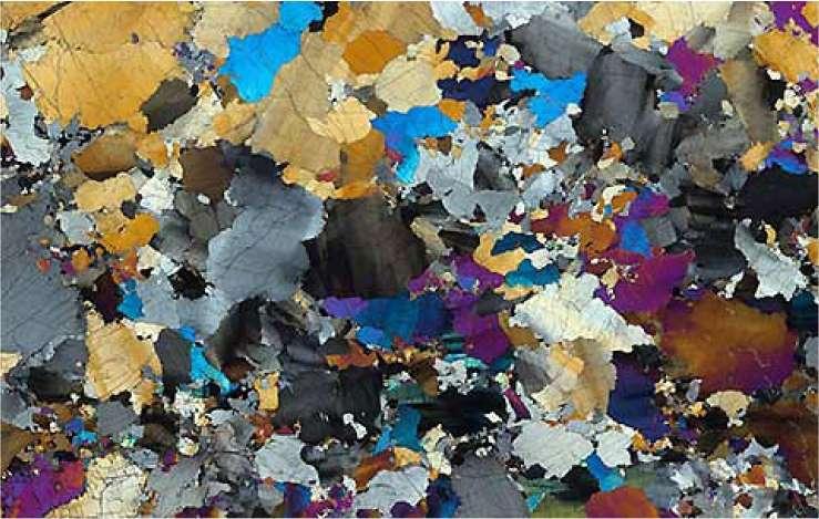 Cette coupe a été réalisée dans une péridotite provenant de la dorsale Gakkel. Cette roche est endogène, car elle s'est formée dans le manteau terrestre, donc dans les profondeurs de la Terre. © Max-Planck-Institut für Chemie