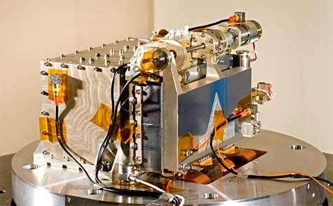 L'instrument C1XS au cours d'un essai de vibrations au banc. Crédit ISRO