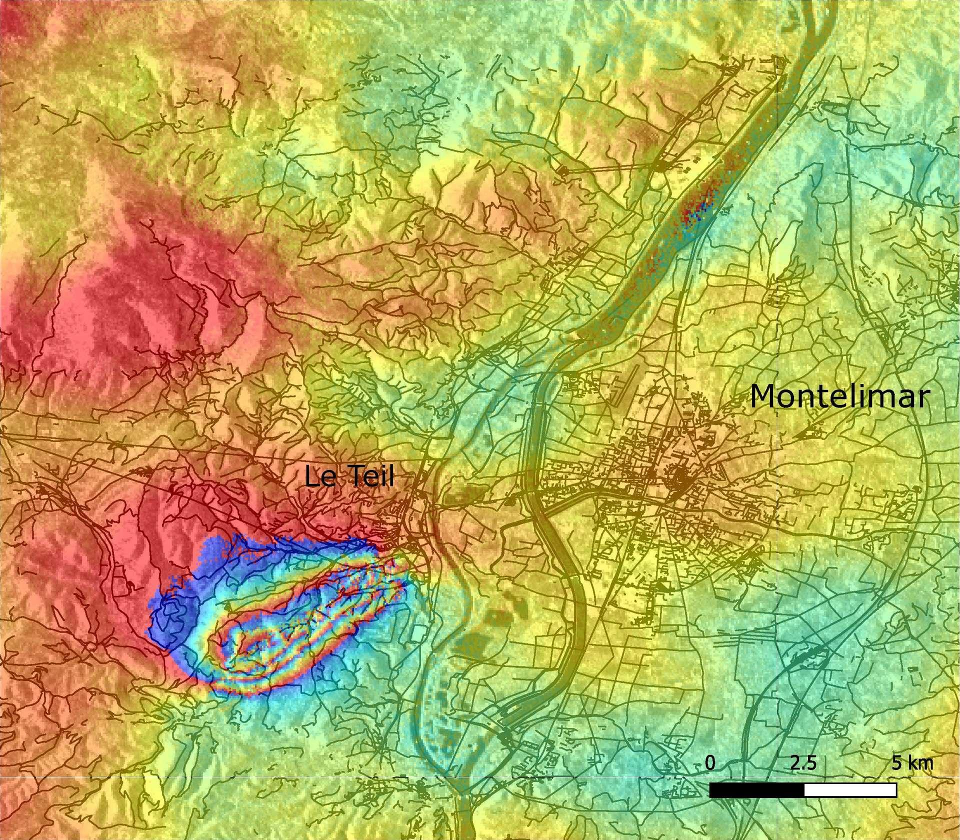 Les scientifiques ont pu identifier à partir des données de Sentinel-1 acquises entre le 6 et le 12 novembre, la faille à l'origine du séisme de magnitude 5 qui a secoué la région Auvergne-Rhône-Alpes le 11 novembre. © Copernicus Sentinel data (2019), BRGM