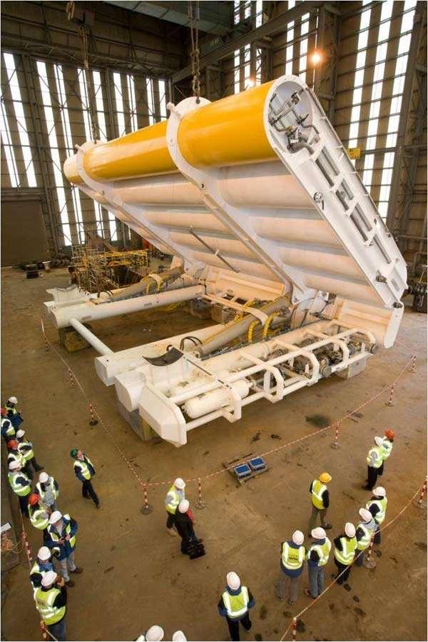Ce générateur Oyster (huître) qui convertit l'énergie des vagues en électricité fera partie des projets qui visent à exploiter l'énergie des mers aux abords des îles Orcades, en Ecosse. © Aquamarine Power