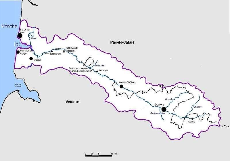 En violet, les limites du bassin versant de l'Authie. © Antonov14, Wikimédia CC by-sa 3.0