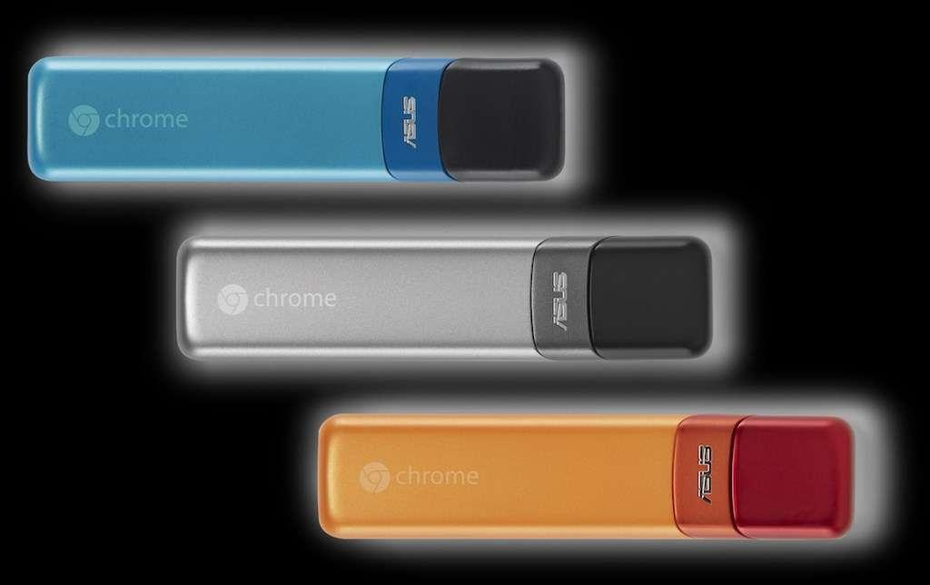 Avec le Chromebit, Google propose un ordinateur Chrome OS qui tient sur une clé HDMI et peut se connecter à n'importe quel moniteur ou téléviseur compatible. On peut y connecter un clavier et une souris par liaison Bluetooth. © Google