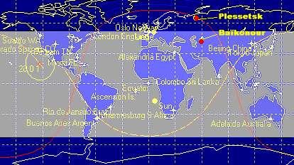 En grisé, la zone comprise entre 51°6 de latitude Nord et Sud à l'intérieur de laquelle s'inscrit l'orbite de la Station Spatiale Internationale. On voit que Baïkonour est régulièrement survolée, tandis que Plesetsk se situe nettement hors de portée.