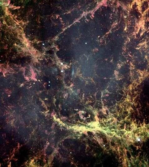 Cette image en haute résolution prise par la caméra à champ large de Hubble montre la structure filamenteuse de la nébuleuse du Crabe. Crédit Nasa/Hubble