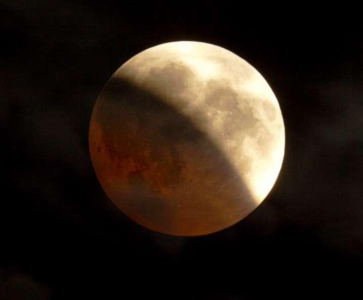"""Le maximum de l'éclipse offrait un magnifique spectacle. Crédit photo """"Roule""""."""