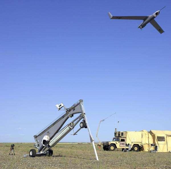 Le drone Scan Eagle, de Boeing, ici présenté par l'armée de l'air des États-Unis, a trouvé un usage pacifique. © USAF