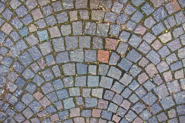 ll existe une grande variété de pavés de terrasse, vous permettant de créer une ambiance unique. © Frédéric Bisson, Flickr, CC BY 2.0