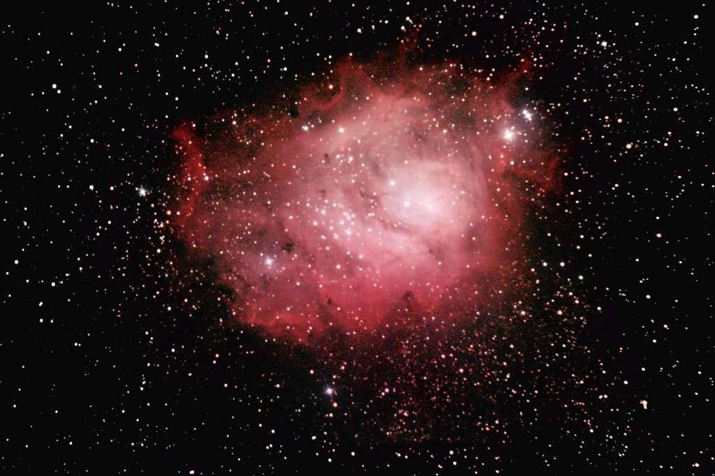Image réalisée par «Chamois» (son pseudo sur le forum) en 110 minutes de pose avec un appareil photo numérique réflex et un télescope de 200 mm de diamètre.