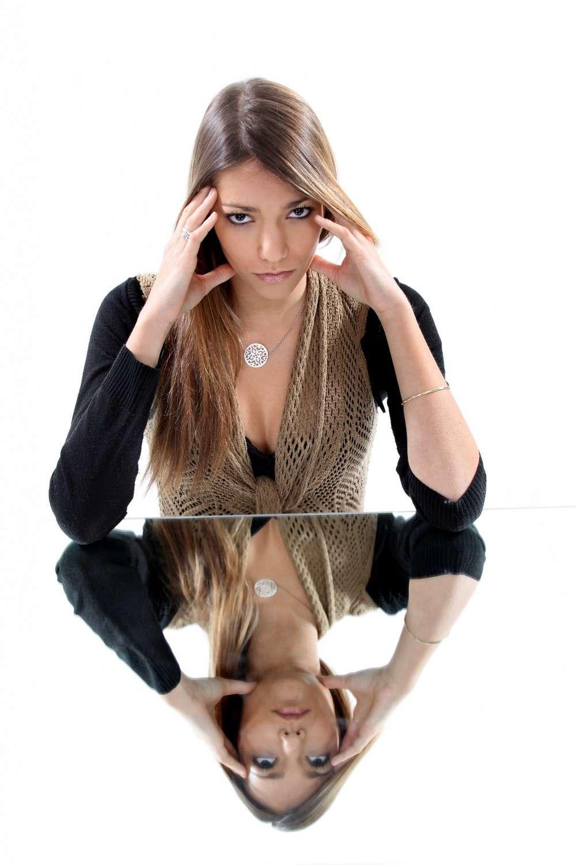 La dysmorphophobie est l'expression d'un complexe physique excessif. Une thérapie cognitive et comportementale peut résoudre le problème. © Phovoir