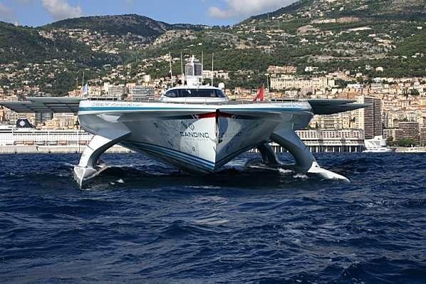 Le PlanetSolar est attendu pour son retour en avril 2012 à Monaco. © DR