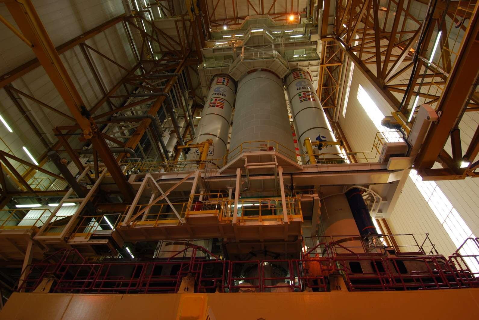 Après un lanceur Vega, une Ariane 5 ES, Arianespace utilisera une Ariane 5 ECA pour sa troisième mission de l'année. Mission au cours de laquelle elle doit mettre sur une orbite de transfert géostationnaire deux satellites de télécommunications. © Remy Decourt