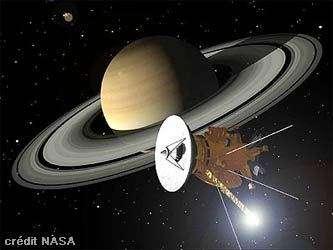 La sonde Cassini en approche de la géante Saturne. Dessin d'artiste.