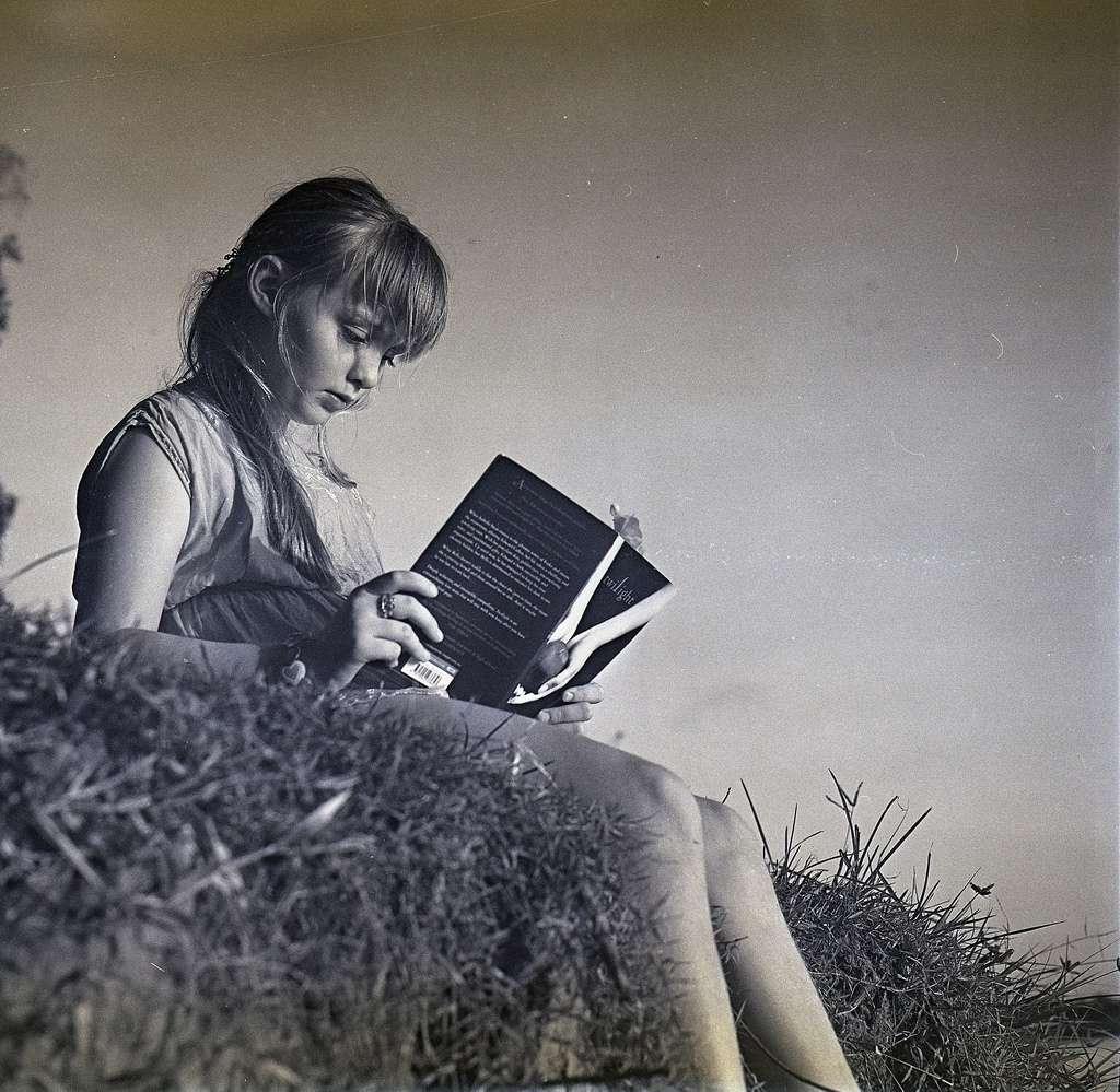 La dyslexie se caractérise par une difficulté de lecture. Environ 10 % des enfants seraient touchés. Pour être efficace, la prise en charge doit se faire le plus tôt possible. © murphyeppoon, Flickr, cc by nc sa 2.0