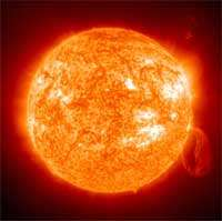 Eruption solaire, vue prise depuis le satellite SoHO dans l'extrême ultraviolet.Crédit : The SOHO-EIT Consortium (ESA/NASA)