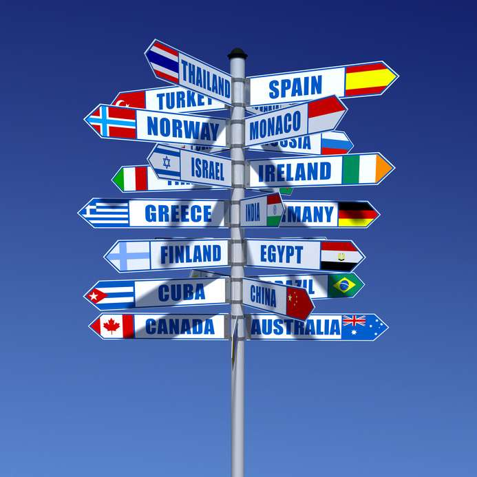 Si vous souhaitez étudier à l'étranger, cherchez d'abord à connaître l'équivalence de votre Bac +2. Il existe pour cela des centres d'information sur la reconnaissance des diplômes (NARIC). © Fotolia