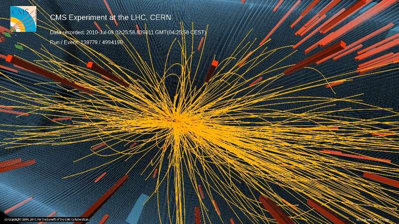 Image d'une collision proton-proton à 7 TeV dans CMS avec production de plus de 100 particules chargées. Crédit : Cern