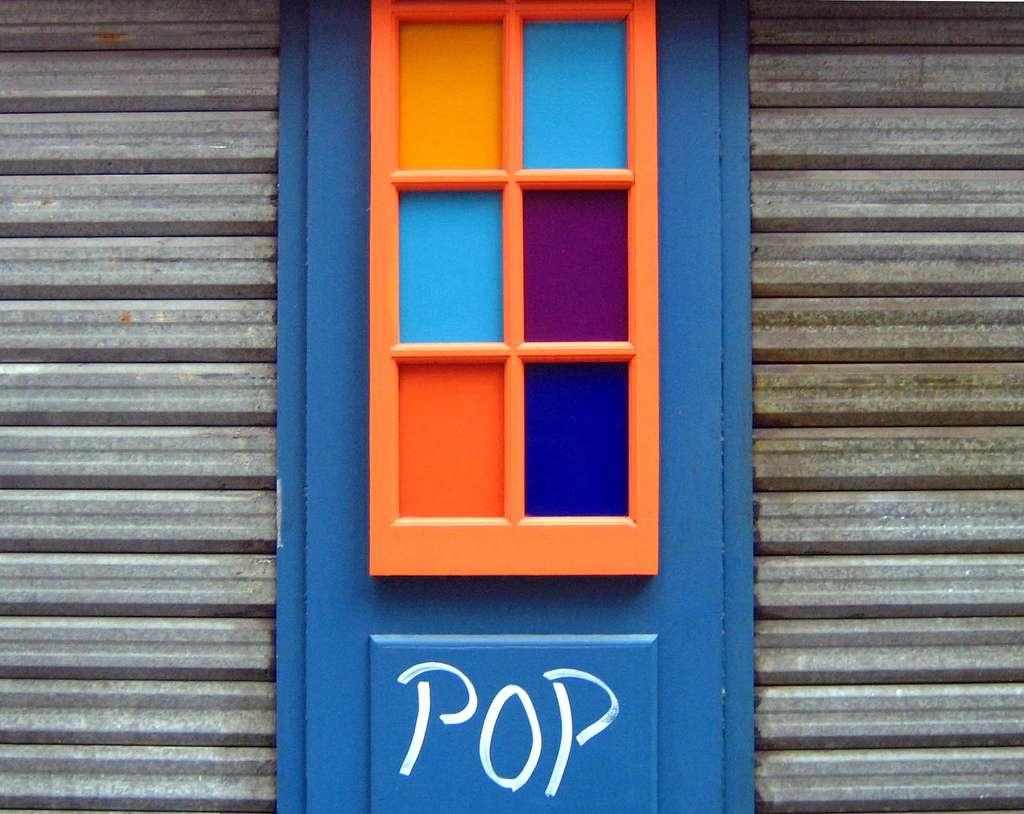 Installer un rideau métallique : confort et sécurité. © Biscarotte, Flickr, CC BY-SA 2.0