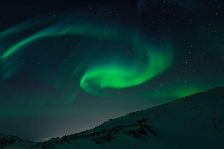 Les aurores boréales sont le résultat d'interactions entre des particules chargées issues du Soleil et le champ magnétique terrestre. © Marcelo Quinan, Flickr, CC by 2.0