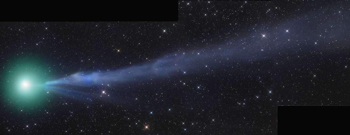 La comète C/2014 Q2 photographiée en Namibie le 23 décembre 2014 par Gerald Rhemann, arbore un noyau enveloppé de gaz très lumineux et une longue queue torsadée. © Gerald Rhemann