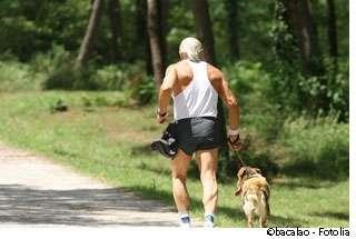 Courir avec son chien, oui, mais en prenant des précautions. Le cani-cross ne s'improvise pas. © Bacalao, Fotolia