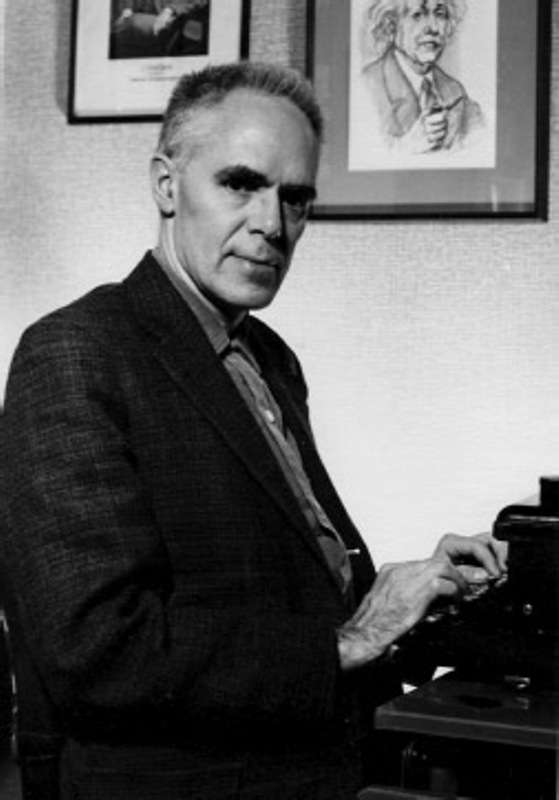 Martin Gardner vers le début de sa carrière dans Pour la Science. Crédit : This Side of the Pond