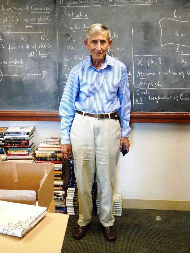 Freeman Dyson a prophétisé qu'un âge d'or basé sur une énergie solaire abondante et peu coûteuse adviendrait au XXIe siècle. L'histoire lui donnera-t-elle raison ? © Monroem, Wikipédia, cc by sa 3.0